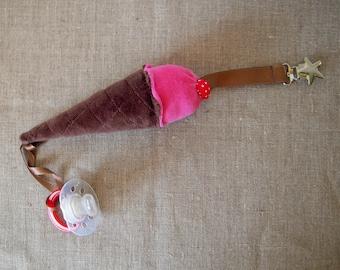 Clip - pacifier little raspberry ice cream cone