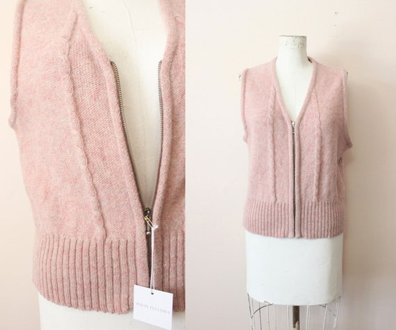 Dusty Pink wool vest | 1990s light pink cable kni… - image 1
