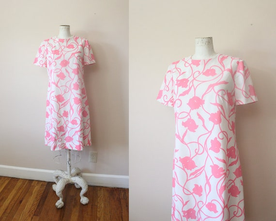 1960s Hot Pink Tulips mini shift dress / 60s mod h