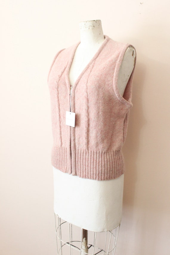 Dusty Pink wool vest | 1990s light pink cable kni… - image 4