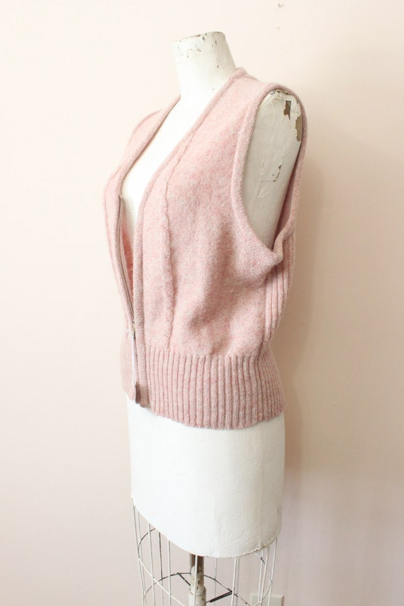 Dusty Pink wool vest | 1990s light pink cable kni… - image 5