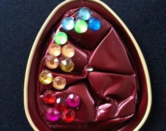 Pendant with multicolor rhinestones comes with cord