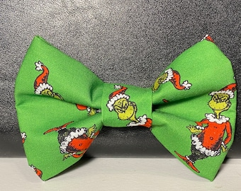 Grinch Day (dog) bow tie with velcro