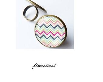 pretty chevron zigzag, colorful glass cabochon ring