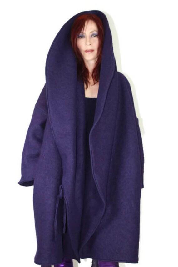 Manteau violet très chaud pour l'hiver rigoureux , très cocoon en pure laine bouillie