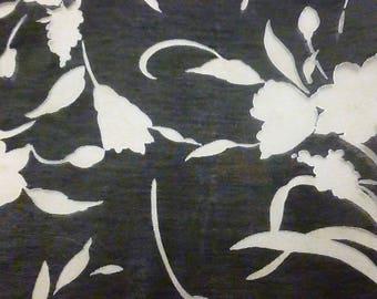 Insult devoured motives flowers beige taupe