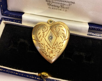 Petite 1950s Vintage Square Gold Locket with 1940s Swirl Glass Cabochon on Gold Plated Chain