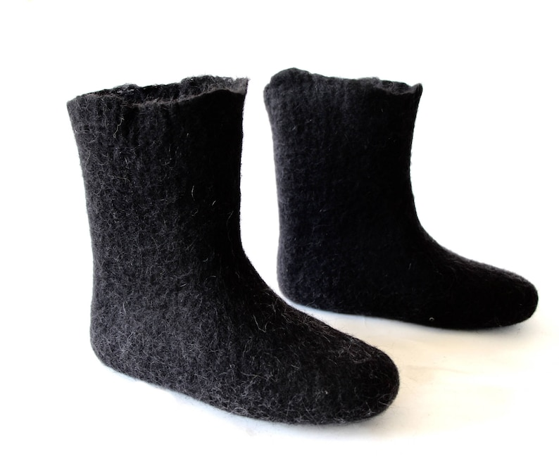 a1706ec873332 Valenki, Felt boots, Black wool booties for indoors and outdoors