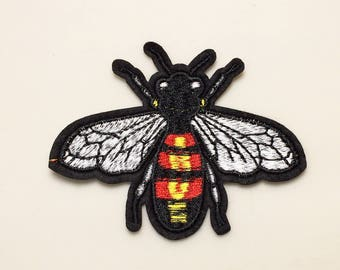 Bee patch - insect patch, iron on bee patch, embroidered patch insect, sew on patch, patch for bags