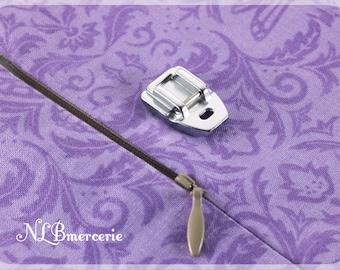 Metal invisible zipper presser foot, for laying hidden zipper closure