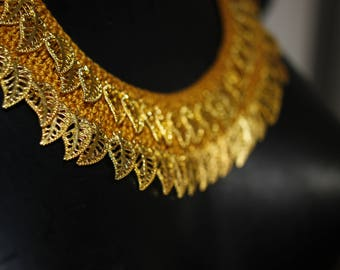 "Ethnic Chic necklace crochet pattern ""Golden Autumn sleeves"""