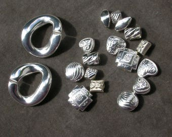 set of 18 resin beads silver