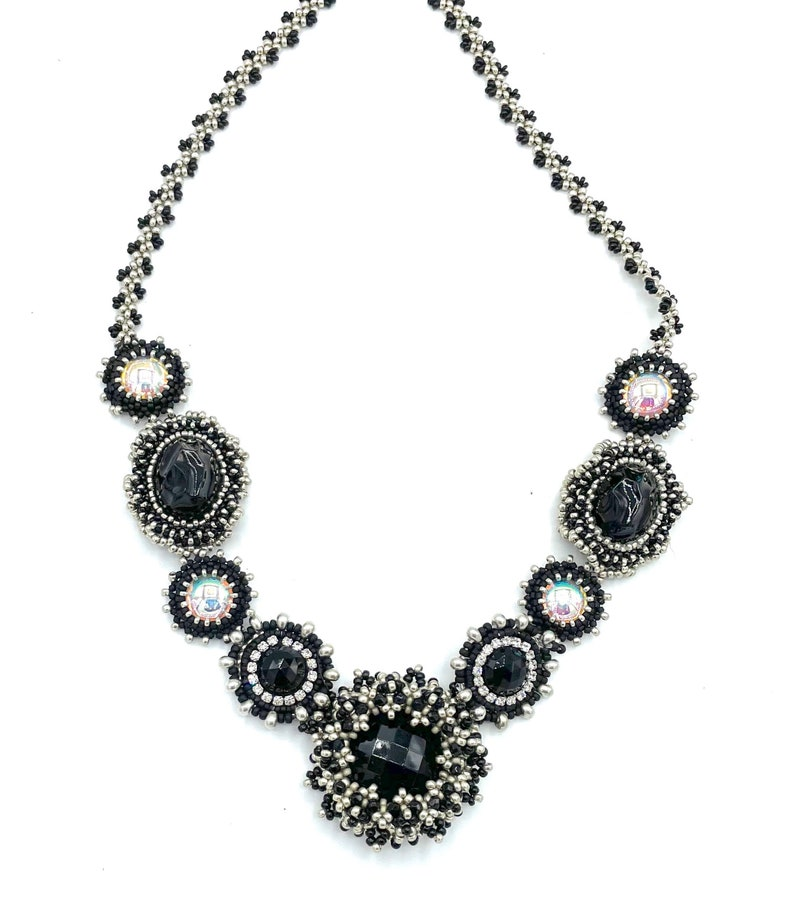 NEW Silver color Bezel Mania Necklace is a peyote bead image 0