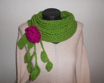 écharpe, snood, col original agrémenté de fleur et de feuilles, vert et  fuschia f6041afe363