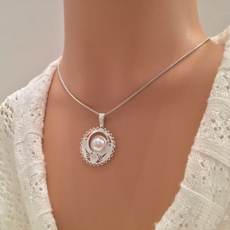 Pearl necklace silver pendant with white pearl pearl and silver pendant necklace