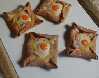 1 small crepe full realistic miniature polymer clay