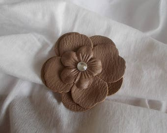 1 brooch or faux leather with Rhinestone flower hair clip