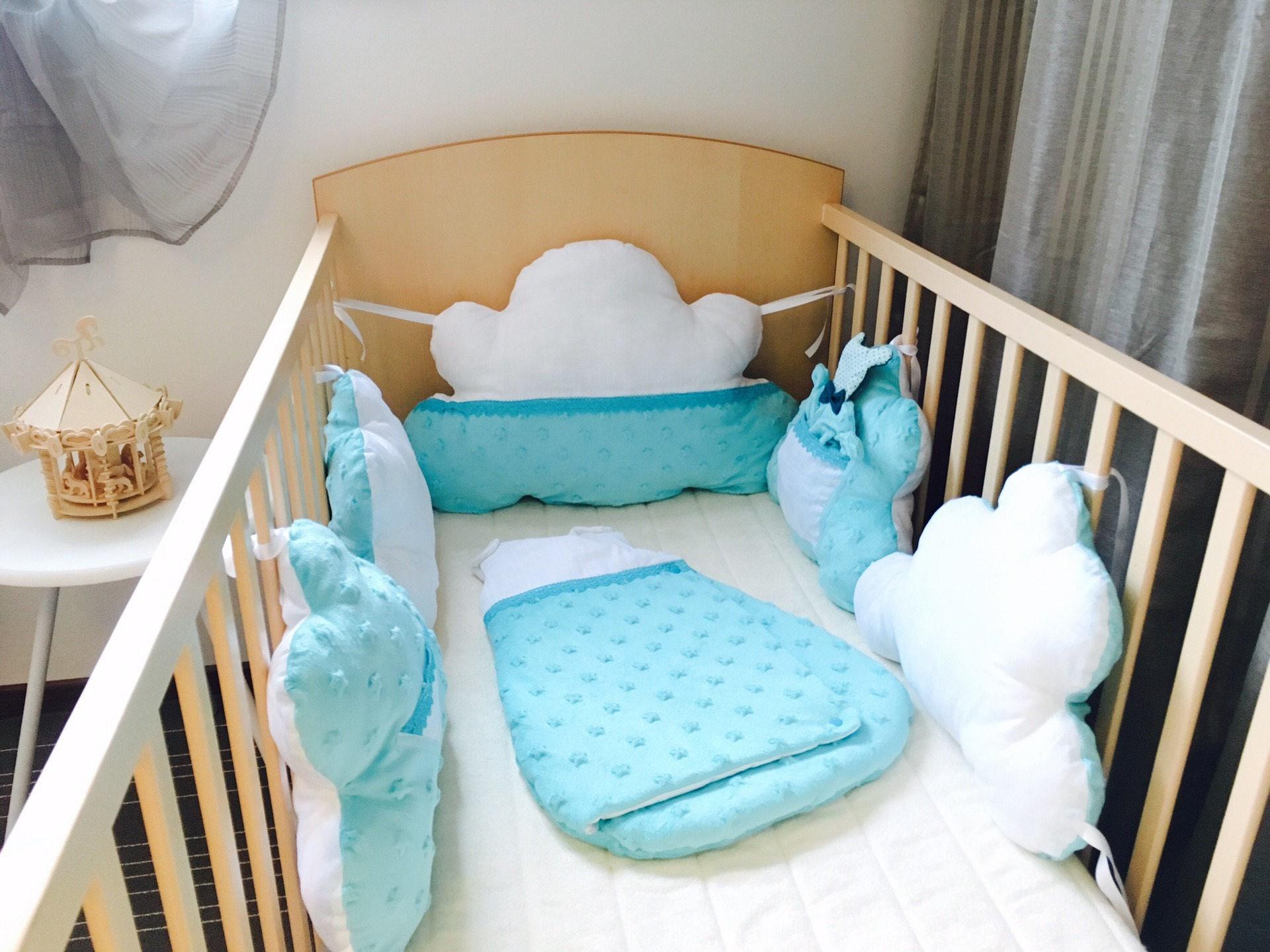tour de lit nuage modulable et volutif pour lit 60x120 cm. Black Bedroom Furniture Sets. Home Design Ideas