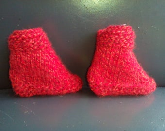 Pair of booties red mottled