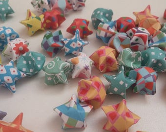 Lot of multi-imprimees origami stars