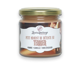 Bookish Candle - Scented Soy Wax - The Burrow - Apple • Cinnamon • Mahogany Wood - 175 grams - Cruelty Free • Non GMO