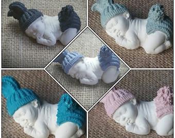 Décoration petit bébé endormi en plâtre peint à la main différentes couleurs