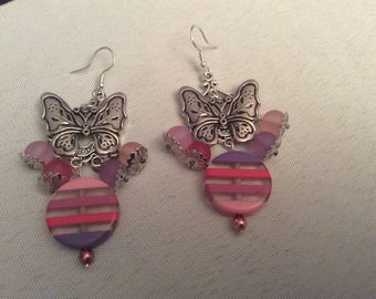 Earrings in shades of pink
