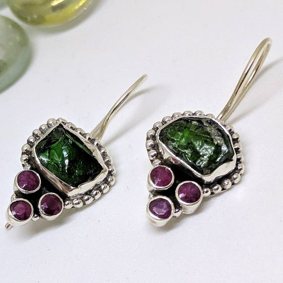 ESHQROCK AAB Rough Emerald /& Triple Ruby Circle Earrings 925 Silver