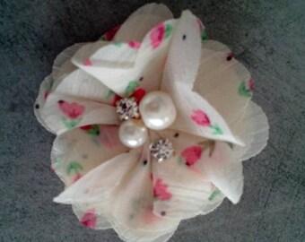 Pretty flower fabric cream