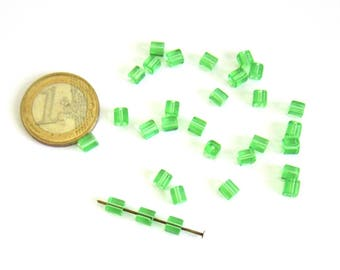 20 clear 5 mm green glass cube beads