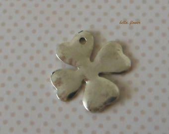 Silver clover 3.5 cm pendant