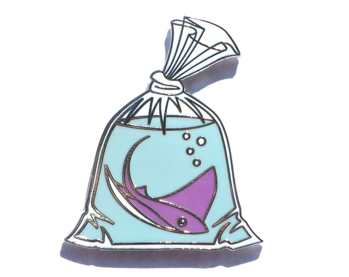 Ray in a bag - Hard Enamel Pin