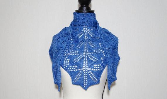 Echarpe tour de cou bleue en laine mérinos tricotée main   Etsy 529f93874af
