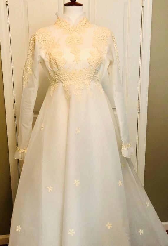 Vintage WEDDING dress,COVID wedding,Dress with Vei