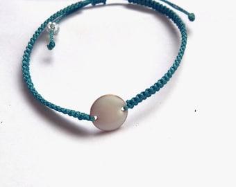 macrame bracelet green, white enamel sequin