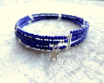 "Bracelet 4 rows, wire shape memory, ""blue"" seed beads"