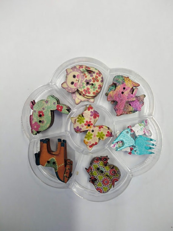 animals - assorted wood buttons