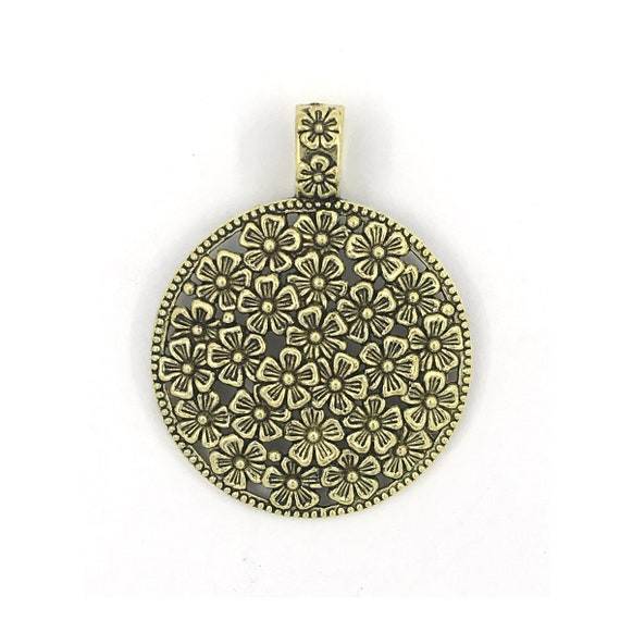 "Great charm - gold color ""flower"""