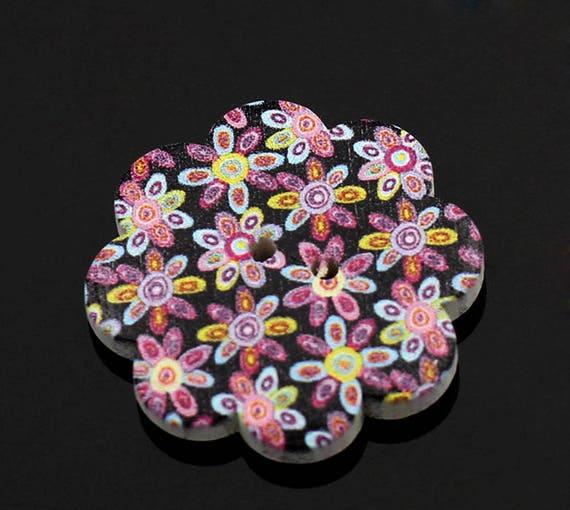 3 BBFL37117 - 37 mm flower shaped wooden buttons