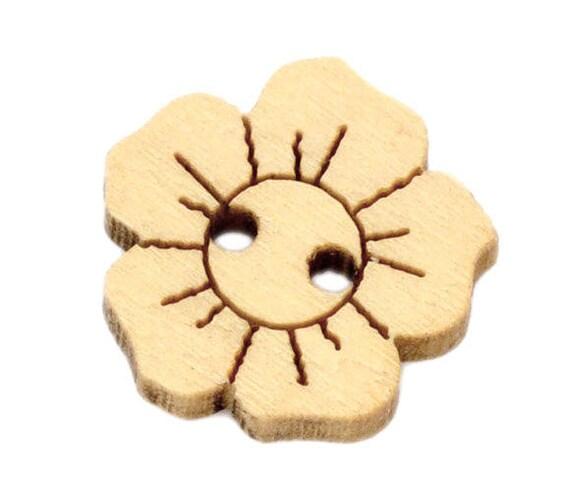 """BBN201 - 6 wooden buttons natural pattern """"Flower"""""""