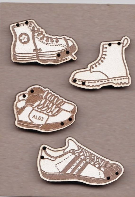"Buttons handmade wooden ""Shoes"" pattern plate"