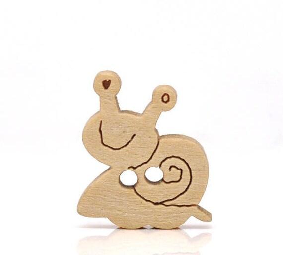 """BBN202 - 6 wooden buttons natural pattern """"Snail"""""""