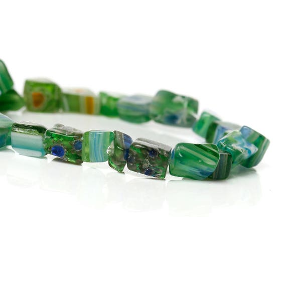 Set of 10 glass shape beads irregular - green - 4 mm approx
