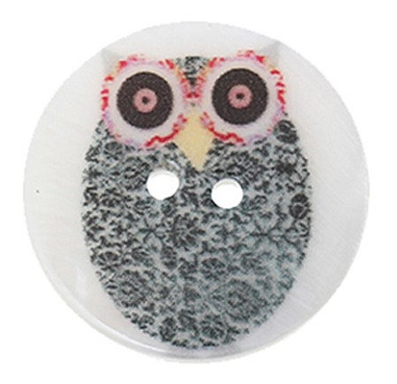 1 round buttons 30 mm mother of Pearl with owls pattern