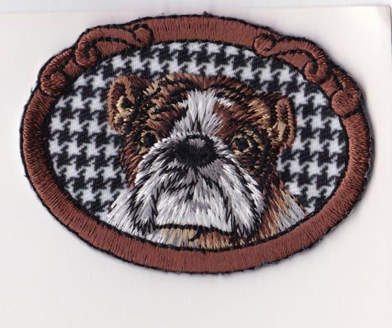 "Patch fusible trend ""dog"" motif"