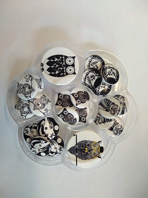 Animal / OWL - assorted wood buttons