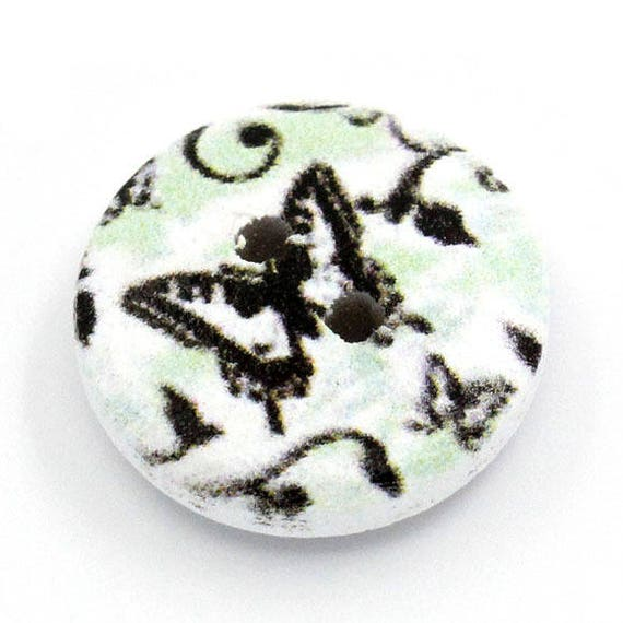 BBR15226 - 8 buttons round 15 MM wooden Butterfly motif