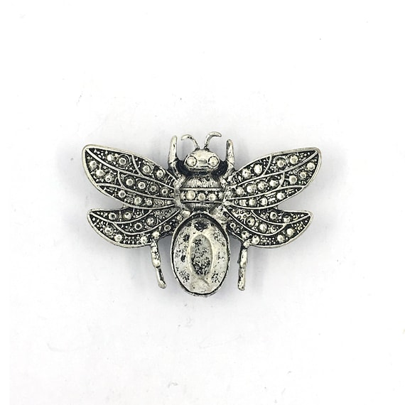 """Great charm - silver colored """"Bee"""""""