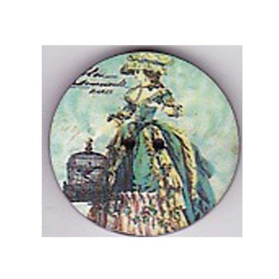 Courtesan button wood handcrafted Princess heart