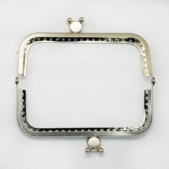 1 clasp purse - silver color - size: 60 x 107 mm x 11 mm